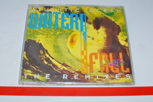Atlantic Ocean - Waterfall - The Remixes Maxi CD Używ.