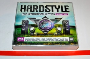 Hardstyle - The Ultimate Collection Volume 3 . 2011 2xCD Used